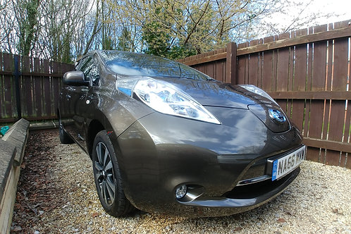 SOLD - Nissan Leaf 30kWh Tekna AVAILABLE NOW