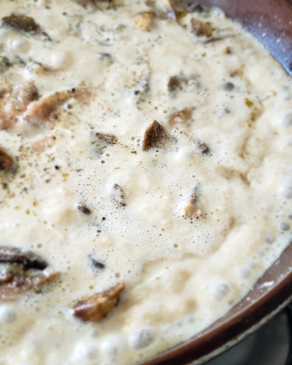molho de cogumelos vegano
