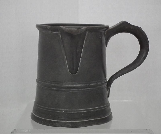 Antique 19th Century Victorian British Spouted Pewter Pint Tankard