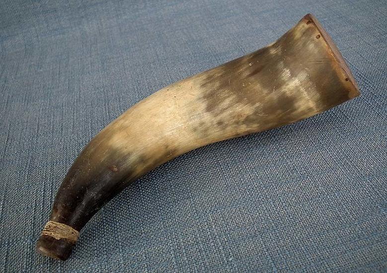 Antique 18th century American Revolutionary War Rifleman Gun Powder Horn