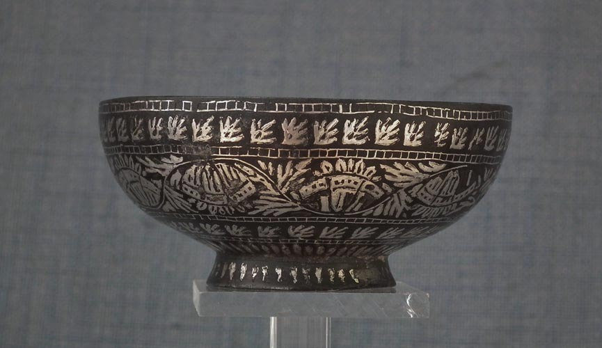 SOLD Antique Bidriware 18th-19th century Islamic Indian Mughal India Bidri Bowl