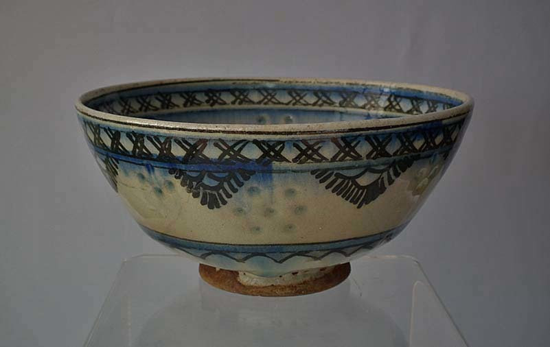 Antique 17th -18th century Persian Safavid Islamic Gombroon Pottery Bowl