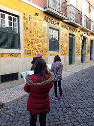 LITTLE LISBON. Lisbon for kids. Tours for families. Private Family Tours. Hands On Activities and Experiences, city trail, Bairro Alto, scavenger hunt, peddy-paper, caça ao tesouro