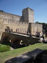 LITTLE LISBON. Lisbon for kids. Tours for families. Private Family Tours. Private Family Visits. Family Visit Castle São Jorge