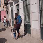Lisbon for kids. about our tours. Little Lisbon. Lisboa com crianças e famílias. Family tours in Lisbon.
