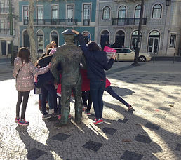 LITTLE LISBON. Lisbon for kids. Tours for families. Private Family Tours. Hands On Activities and Experiences, birthday tour, passeios a pé, aniversários, crianças, festa