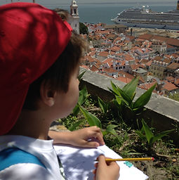 LITTLE LISBON. Lisbon for kids. Tours for families. Private Family Tours. Hands On Activities and Experiences, city trail, Alfama, scavenger hunt, peddy-paper, caça ao tesouro