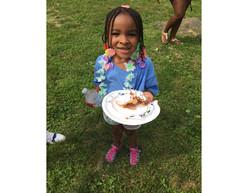 little girl guunel cakes landscape