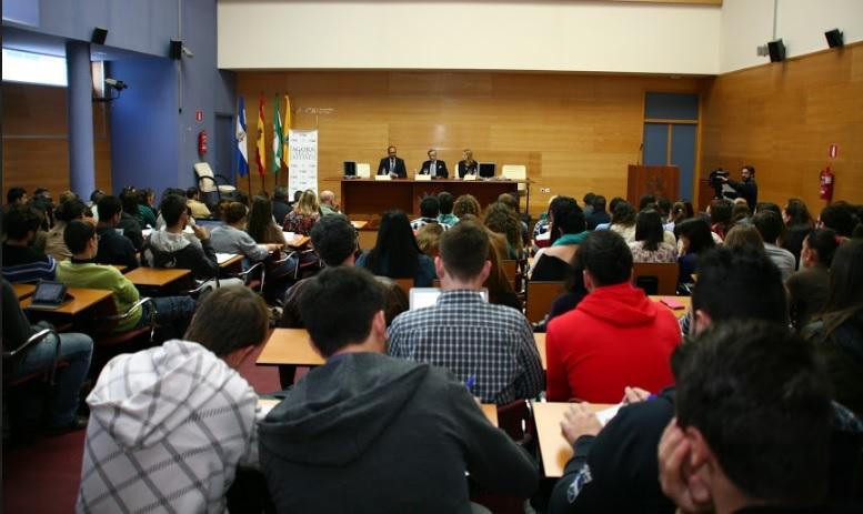 Jorge Dezcallar en el campus