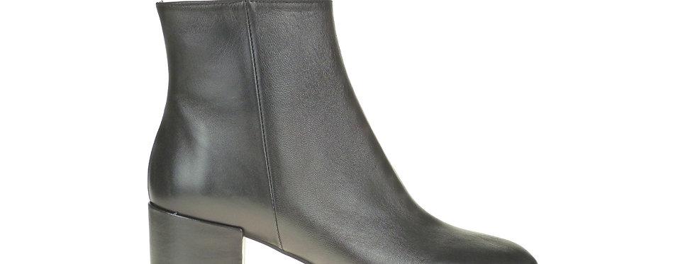 Lea black leather