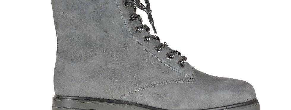 Stomp grey suede
