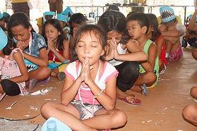Kids praying.jpg