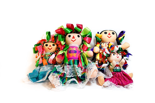 Muñecas de trapo con bebe