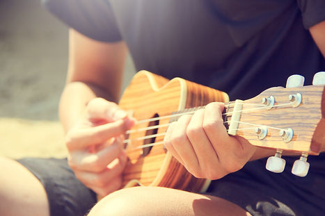guitarist-hands-hobby-346709.jpg