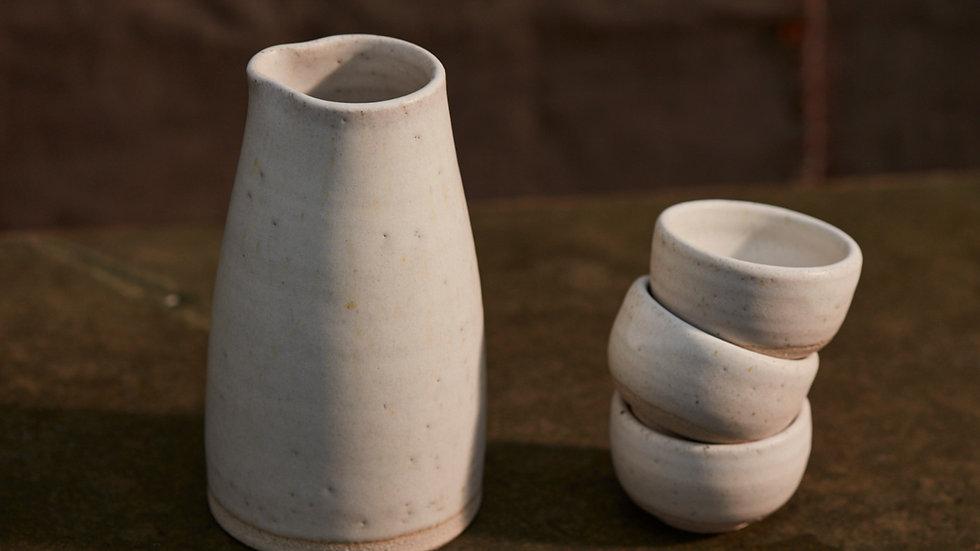 Saké Flask & Set of 4 Saké Cups