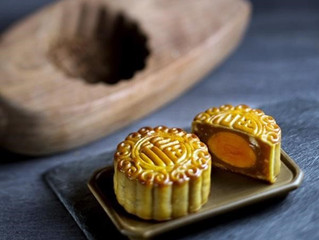 Mooncakes: Traditional Chinese Pastries Full of Flavor