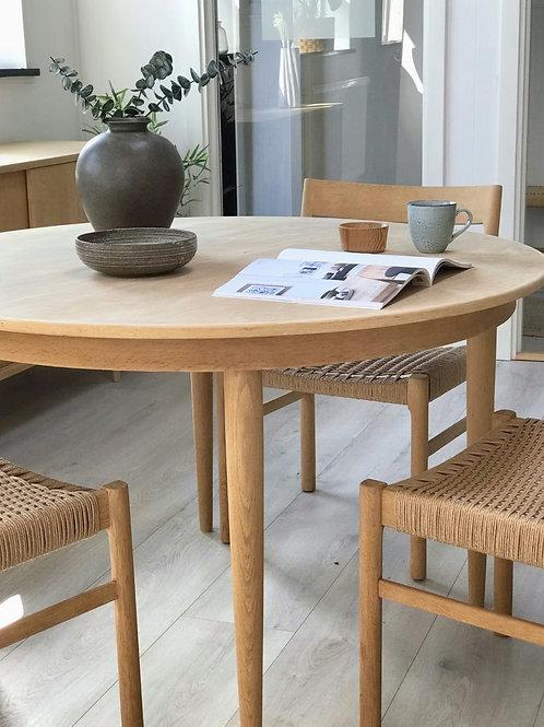 Rund spisebord af Dansk møbelproducent