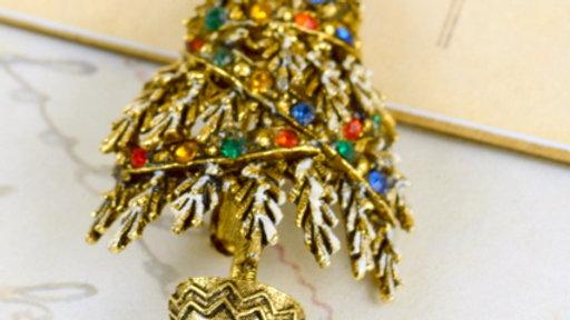 Vintage Rhinestone Christmas Pin
