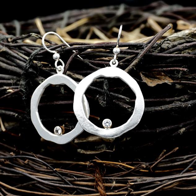 Organic Circle w/Sapphires