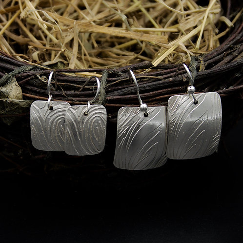 Etched Wavy Lines Earrings - Rectangular