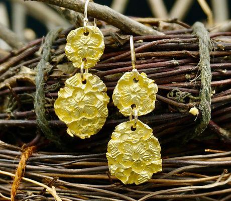 22k Gold take flight earrings