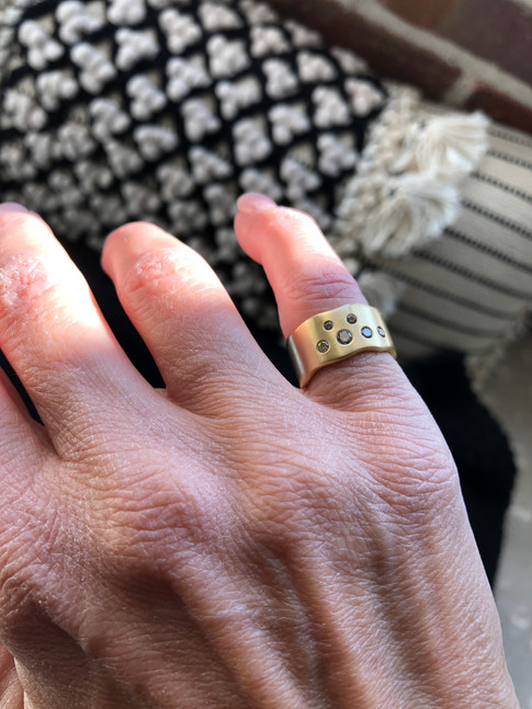 Custom 18k gold & diamond ring