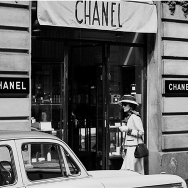 Douglas Kirkland  Mlle Chanel walking from the Ritz Hotel to the House of Chanel  1962 [printed later]  archival pigment print, edition of 24, signed  paper size > 24 x 20 inches
