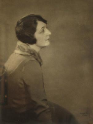 MAN RAY, Portrait of artist Helen Fleck