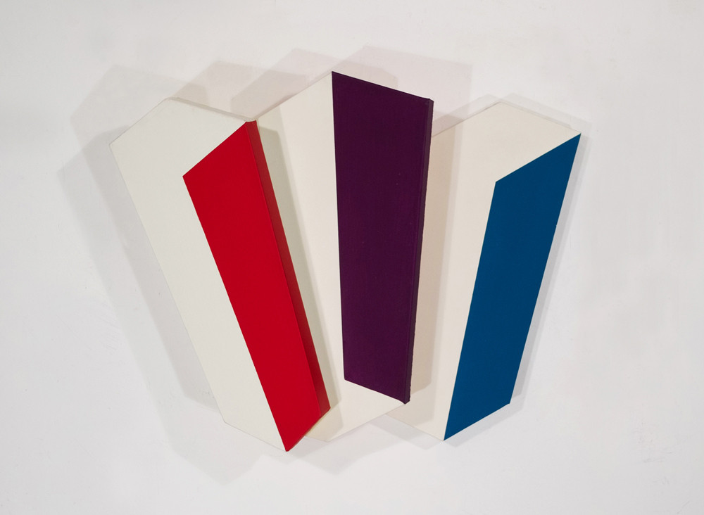 CHARLES HINMAN Chromatic Three, 2009 acrylic on shaped canvas Artwork: 27 x 42 x 9 inches | 68.6 x 106.7 x 22.9 cm