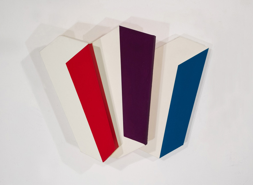 CHARLES HINMAN Chromatic Three, 2009 acrylic on shaped canvas Artwork: 27 x 42 x 9 inches | 68.6 x 106.7 x 22.9 cm