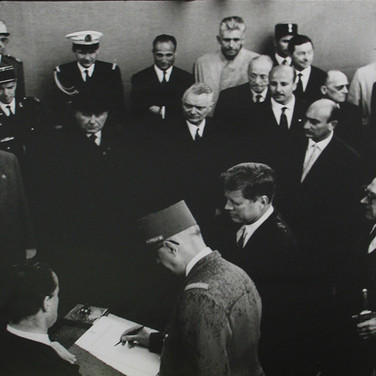 Jacques Lowe (1930-2001)  John F. Kennedy during the state visit in France with General de Gaulle  photo June 1961 [printed later]  gelatin silver print, stamped  paper size > 20 x 16 inches