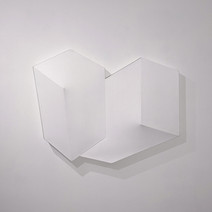 Tridimensional white painting of two flattened cubes