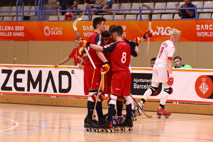España U-19 golea a Suiza en la fase de grupos