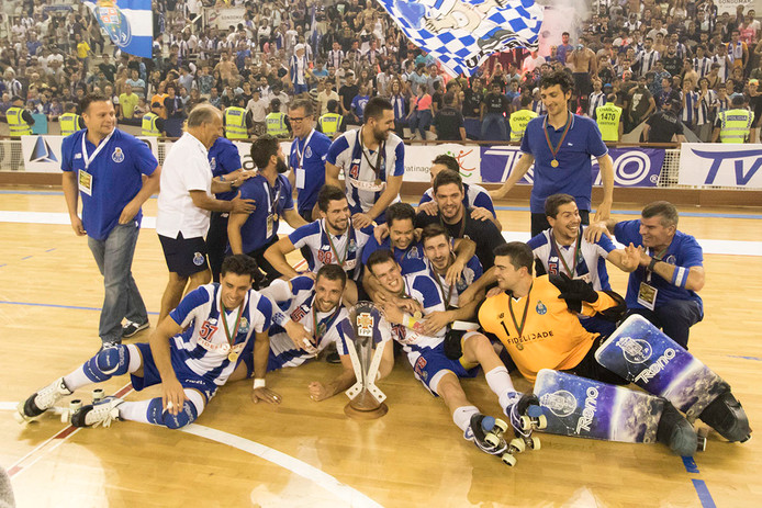 El Porto sella el triplete nacional