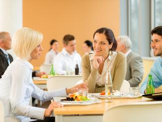 5) El almuerzo, un espacio saludable para socializar y retomar el trabajo rápidamente