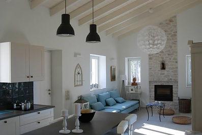 HOUSE-LIVING-1.jpg