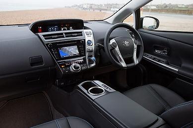 Prius-plus-2015-interior.jpg