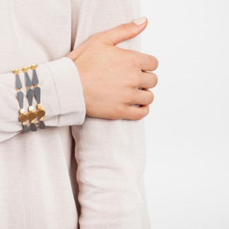 ring2- silver-gold-formica-design-joidarring-lion-pink-gold-dalia-jurado.jpgsignet_ring_flowers_diamonds.jpgblue-earings- silver-gold-formica-designinterprettion-3d-rene-lalique-dragon-fl