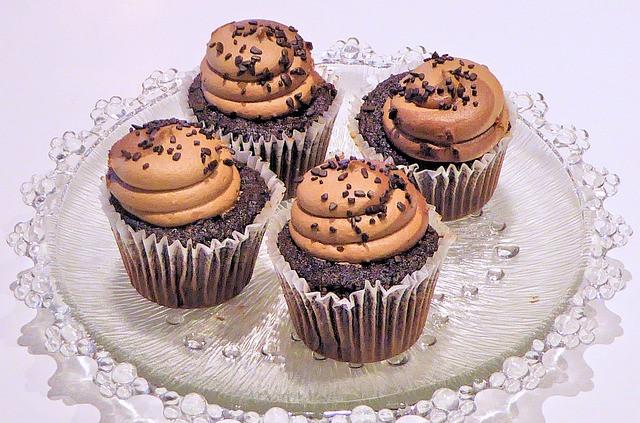 chocolate-cupcakes-710400_640.jpg