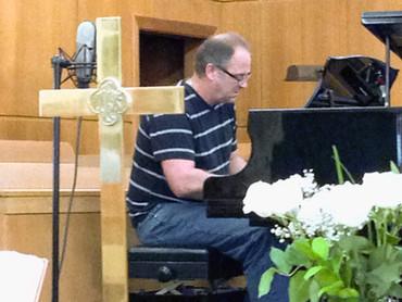 Music Worship - Kelly Chrisman.jpg