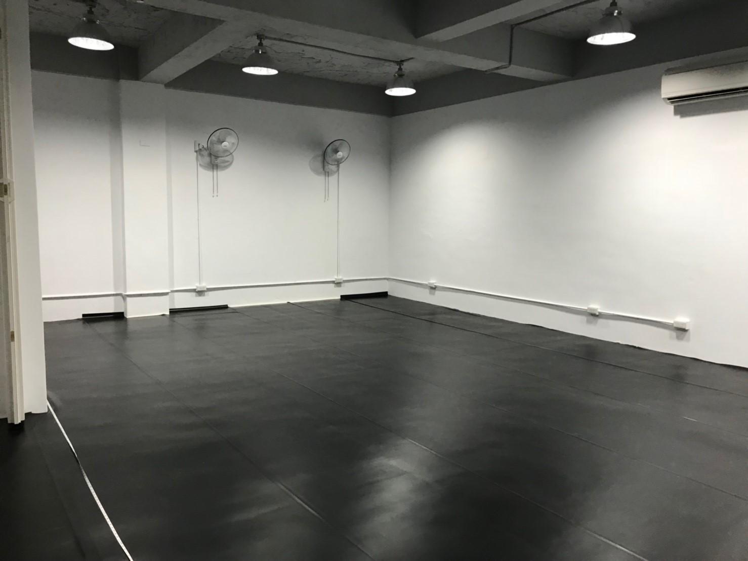 排練場黑膠區域示意圖