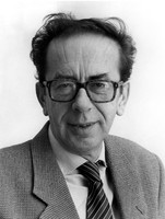 Ismail Kadare albanian book author