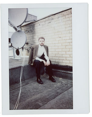 Polaroids_Marlon_Serie_braun-4.jpg