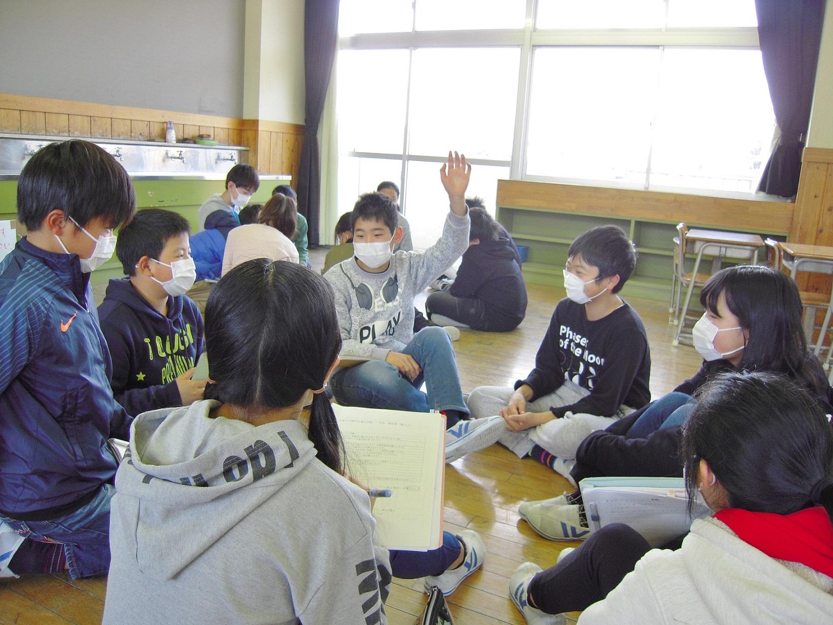2・21児童会役員引継ぎ(5・6年)