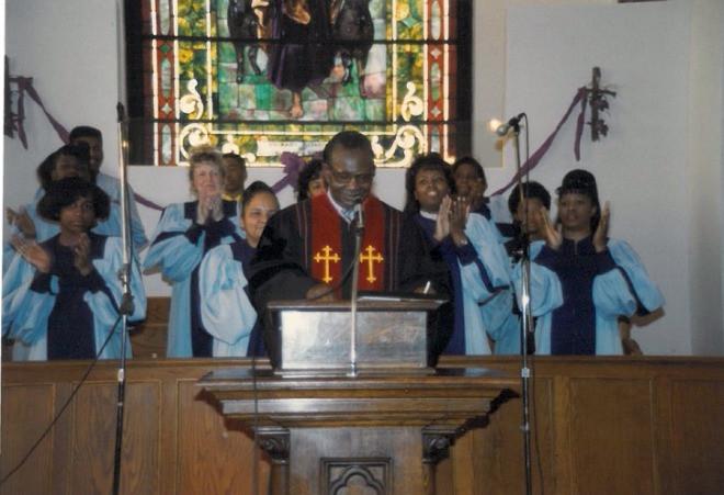 Pasor Harding Sr. and Choir