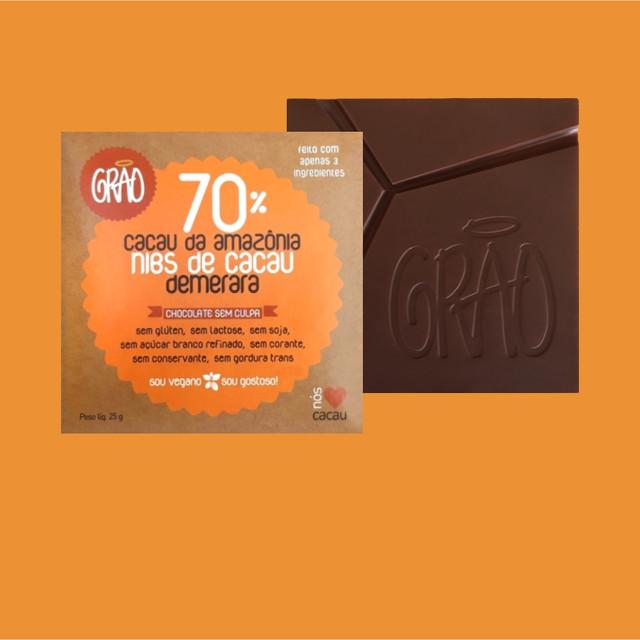 CHOCOLATE 70% CACAU DA AMAZÔNIA, NIBS DE CACAU E AÇÚCAR DEMERARA.
