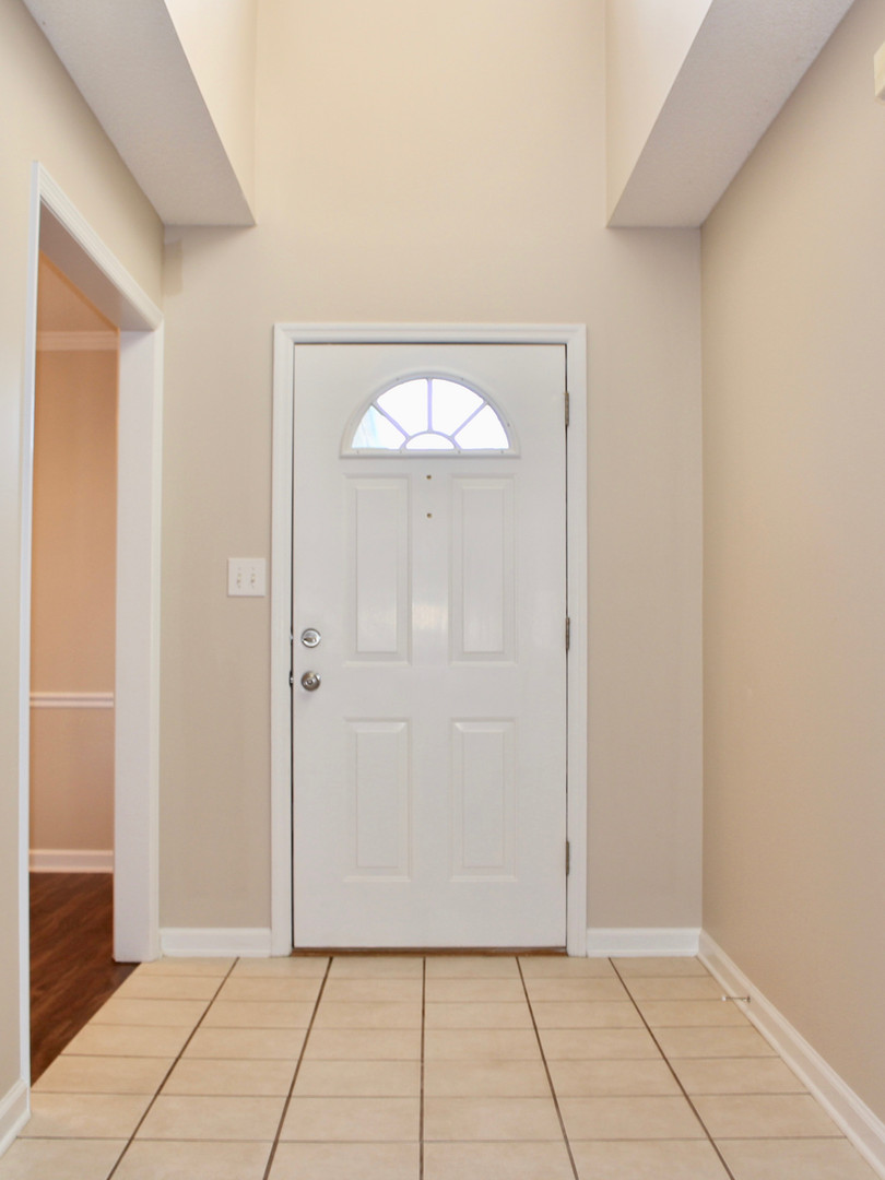 Dining room or office right off entrance