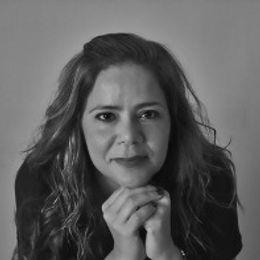 Foto Mayra R. Encarnacion Melendez - 2do lugar concurso literario.jpg