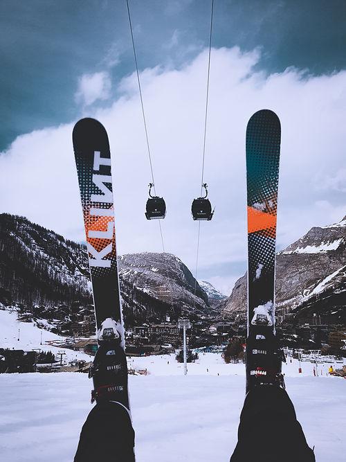 ski-jack-finnigan-yQWAzepQZlY-unsplash.j