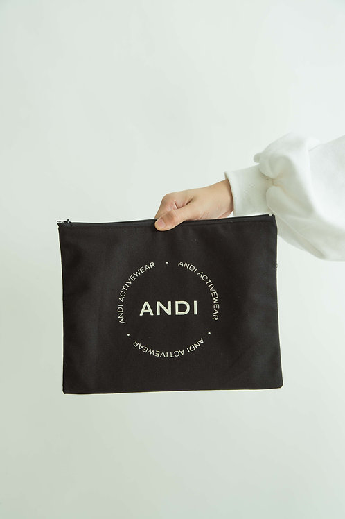 Andi Pouch